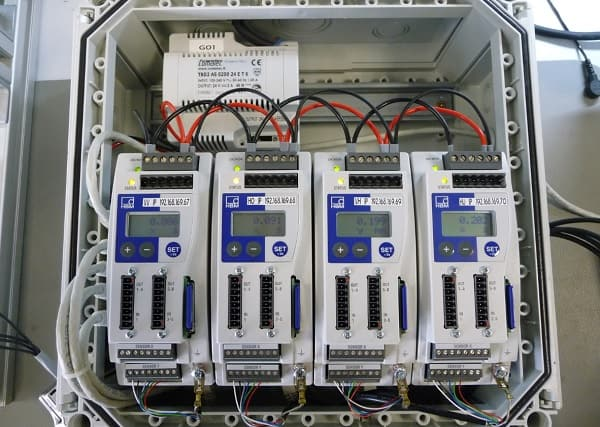 MP85A process controller in the control cabinet