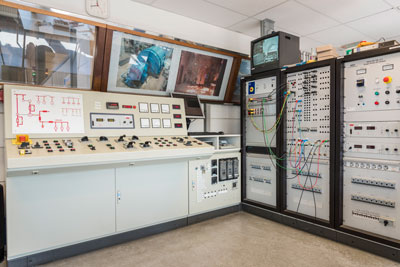 The Damstra Lab Control Station
